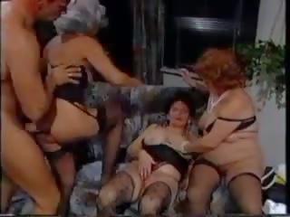 德語 奶奶 組: 絲襪 色情 視頻 ae