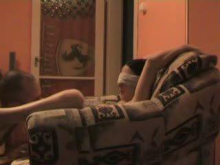 टीन blind folded और मजबूर को बकवास stranger वीडियो
