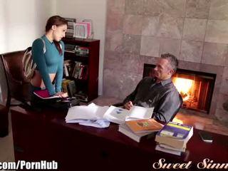 Sweetsinner sara luvv en chaleur pour step-dad