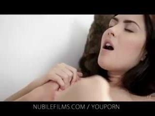 Nubile filme - sie atemberaubend freundin licks muschi so gut