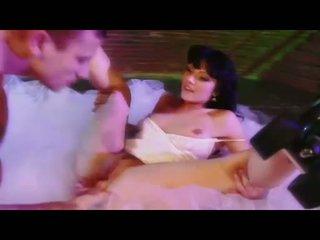 Seksi babe ava rose gets beliau faraj eaten dan swallows yang besar keras zakar/batang
