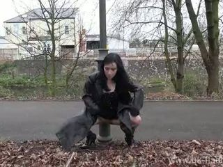 Fae corbins amateur flashing et dehors filles public nudity et outragious exhi