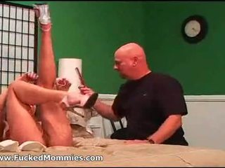 Small titted mom gets hairy beaver licked and