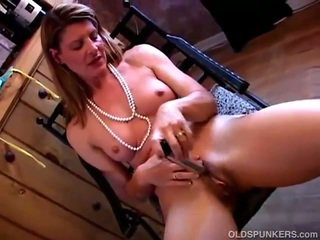 Shagging dia erotis alat kelamin wanita