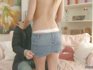 Broer verleiden tenger step-sister naar neuken haar anaal: porno 24