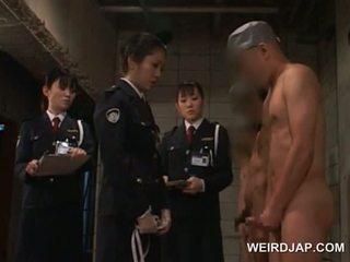 Vies aziatisch politie vrouwen seks teasing hun male convicts