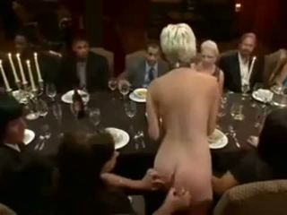 Blondine served forbondage dinner