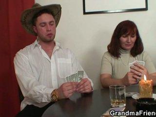 Maghubad poker leads upang mahirap pangtatluhang pagtatalik