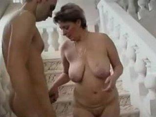 Mini etek kadın ve genç adam - 11