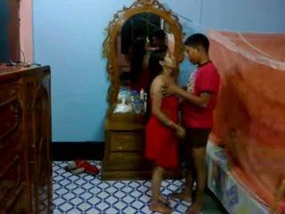 Honeymoon הידי pair ב שלהם חדר שינה