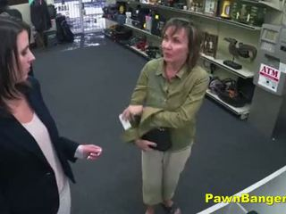 Cheeky магазин owner bangs customer's манда