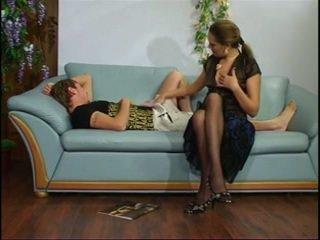 Rosyjskie dojrzała ciotka z młody chłopak.