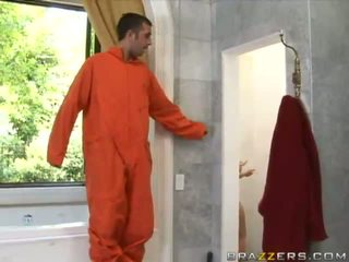 Angelic bystiga blondin arrest guardian sugande enormt prisoner kuk