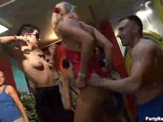 Meisjes wants naar neuken de leger dancer