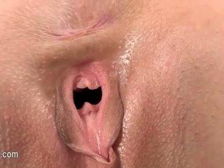 Gyno vibrator en hard vagina opening