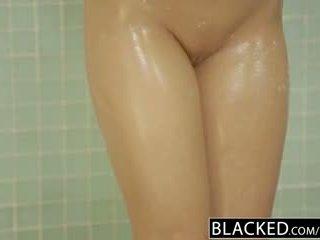 Blacked ঠকানো সাদা gf zoey monroe barely takes bbc মধ্যে তার পাছা