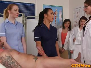 Cfnm nurses cocksucking patiënt in groep