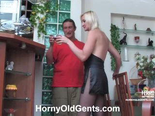Caroline en morgan female en daddy vid