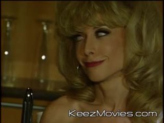 Nina hartley - fountain de innocence - scène 4 - vca