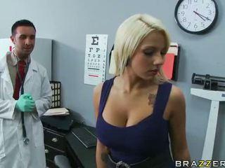 Lylith lavey getting follada por su doctor vídeo