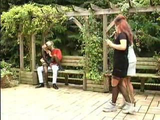 Piss; nemecké pee sex adventures v the park