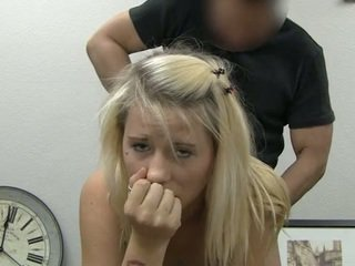 Ania taking facial sædsprut