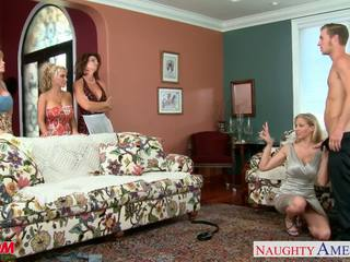 Moms darla crane, deauxma, holly halston e julia ann shari