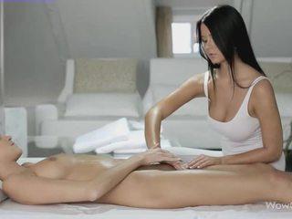 Лесбийки секс с silvie и addison