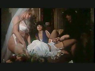 lesbiche, tacchi alti, biancheria intima