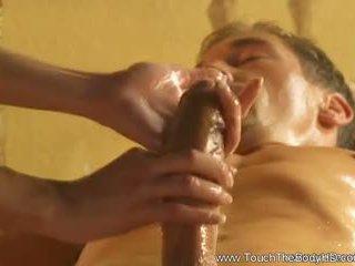 Bela loira milf massagem