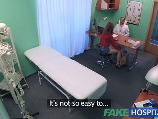 Fakehospital aprótermetű forró orosz tini gets punci licked és szar által doktor