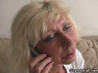 Тройка парти с блондинки възрастни widow