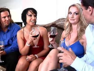 Lusty Gals Aline And Nikki Hunter Insi...