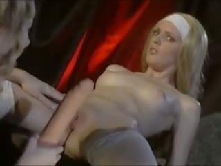 Palaist garām uzbudinātas: bezmaksas lesbiete & anāls porno video 13
