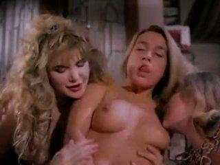 kuuma lutka valtavat tissit, kaveri valtavan kullin, really huge boobs porn