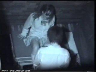 Two japoneze i eksituar çift publike seks