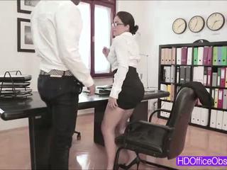 Karstās sekretāre valentina nappi fucked līdz viņa boss iekšā the birojs