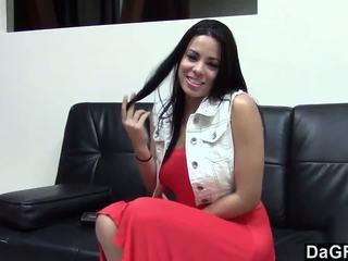 Quente latina a foder dela casting agent