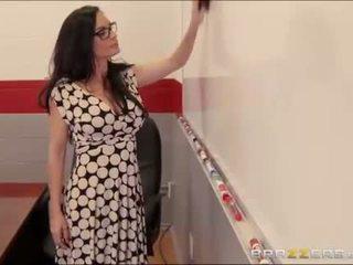 Seksi guru gets kacau di dalam ruang kelas