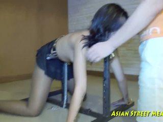 단 과 obedient 아시아의 바닥 cleaner