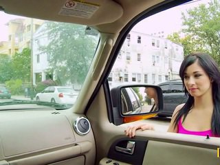 Mandy fills ji passenger boční kočička