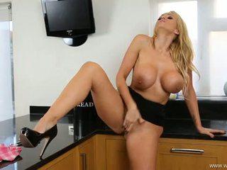 Lucy zara sexy striptease und schlag job