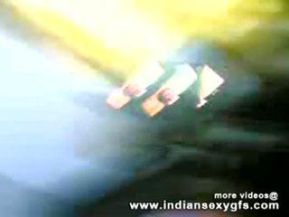 Desi bhabhi 家庭主婦 cocksucking 他媽的 - indiansexygfs.com