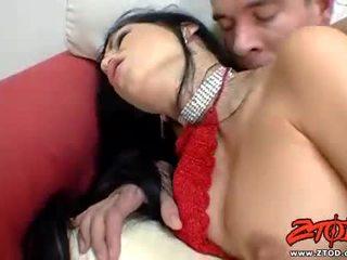 Uzbudinātas mya diamond gets viņai ciešas.