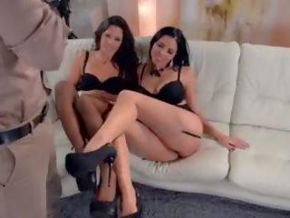 角質 女用貼身內衣褲 車型 extra 他媽的 熱 threesome.mp4