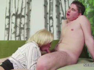 18yr xưa đức con trai dụ dổ step-mom masturbation và quái