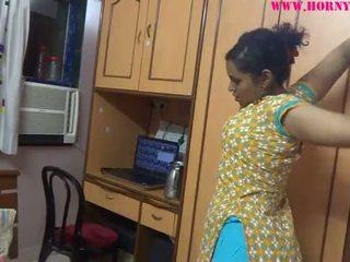 Indisk amatør babes lily sex