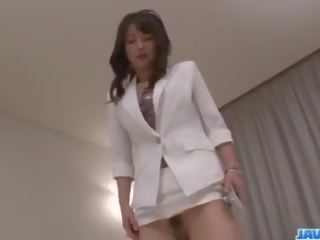 Azijke medicinska sestra ayumi iwasa devours tič med ji roke