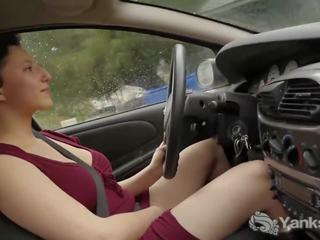 Karstās jenny orgasming kamēr driving, bezmaksas porno 03