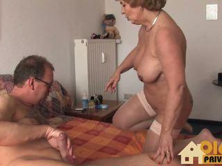 Grannie met reusachtig tieten, gratis amateur hd porno 66